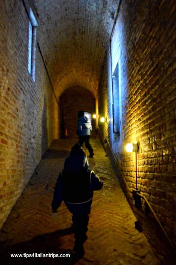 Castle ferrara corridor