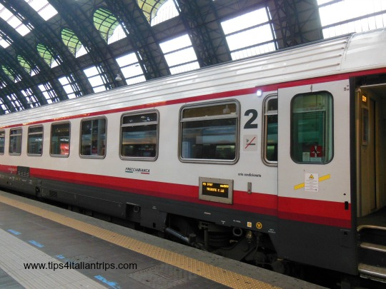 Frecciabianca train
