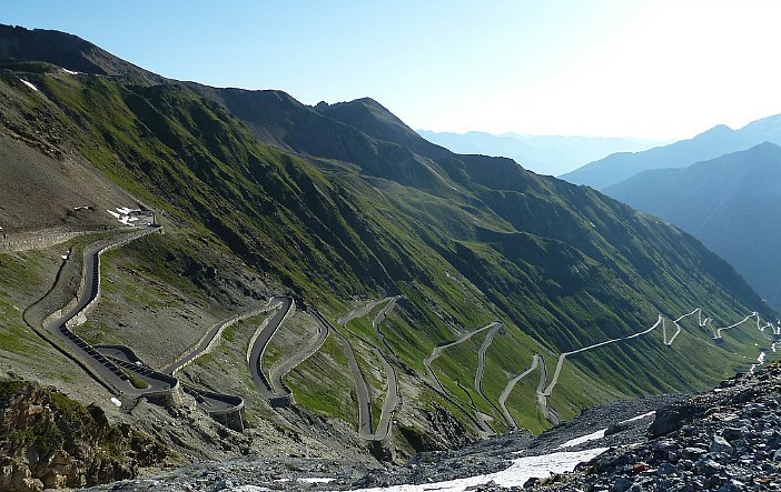 Motorbike itineraries in Italy stelvio pass