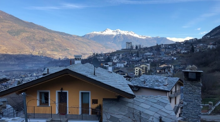 where to sleep in aosta valley with kids